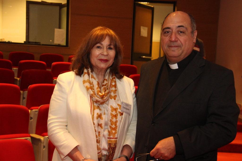 Cristina y Padre Revello (2)